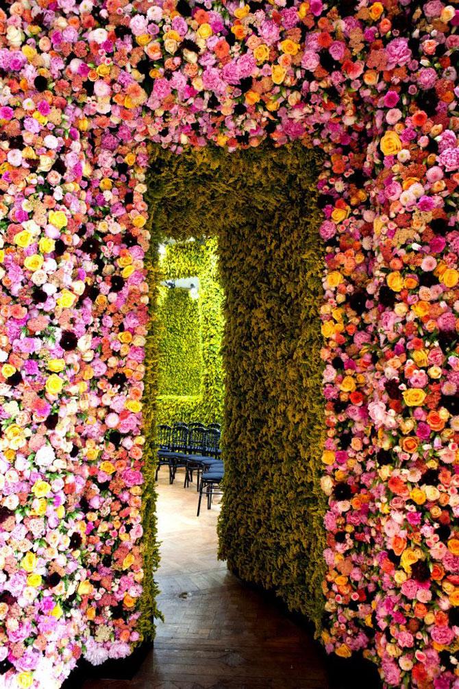 Poza 1 - Un milion de flori pentru Dior