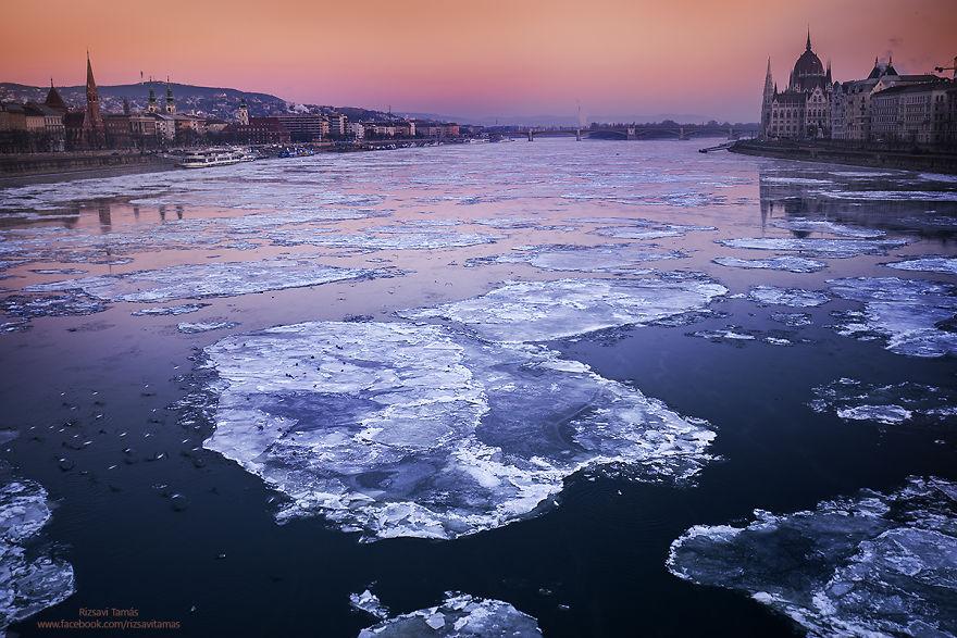 Frumusetea Dunarii inghetate, in poze superbe - Poza 3