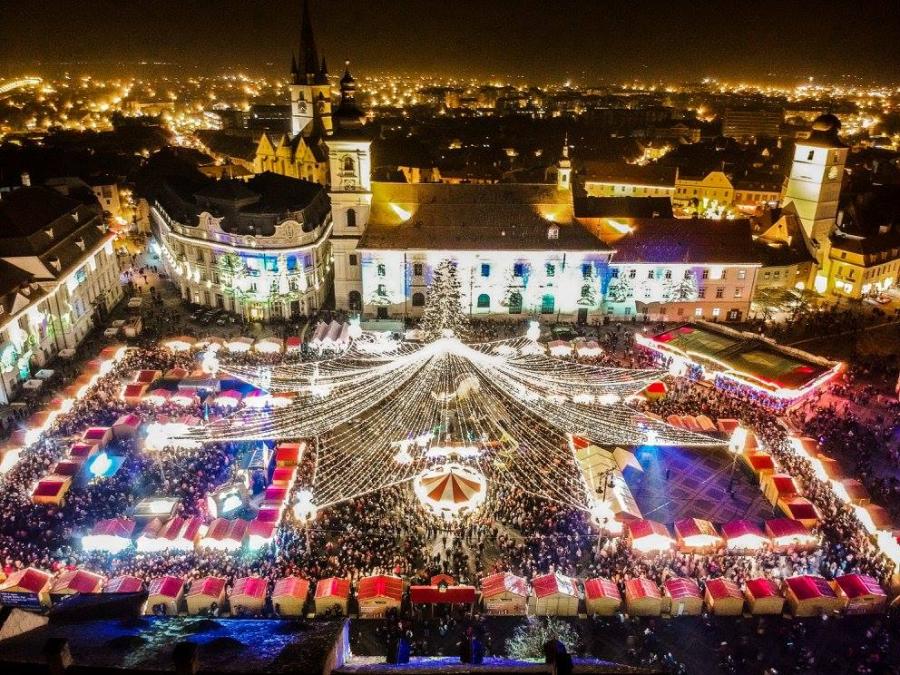 Targul de Craciun din Sibiu: Povestile devin realitate in Piata Mare - Poza 1
