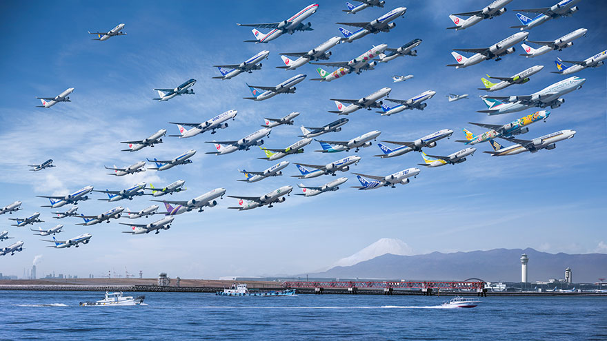 Portrete aeriene: Uimitorul zbor simultan al unor zeci de avioane - Poza 11