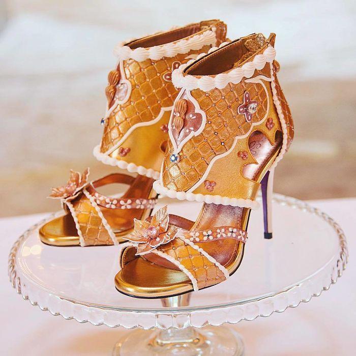Pantofii cu aspect de prajituri, la mare moda in acest sezon - Poza 15