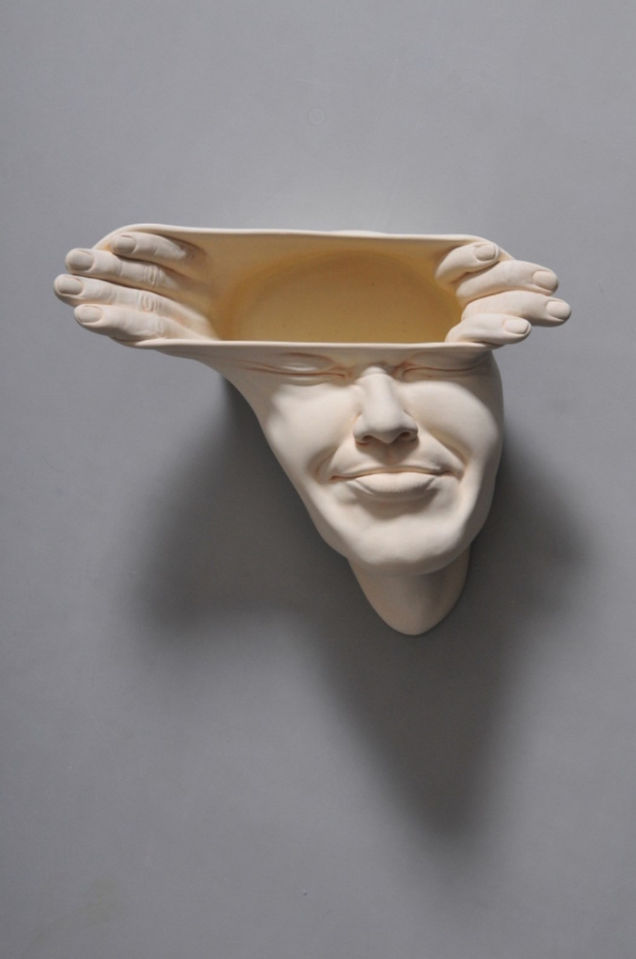 Minti deschise: Sculpturi suprarealiste din portelan - Poza 5