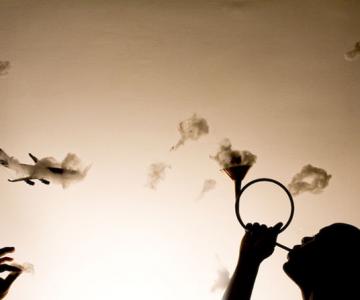 Paul Octavious se joaca pe cer cu norii