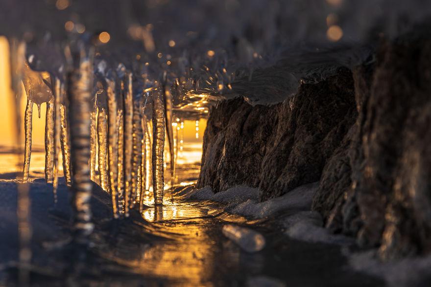 Cantece de gheata: Frumuetea lacului inghetat din Serbia - Poza 4