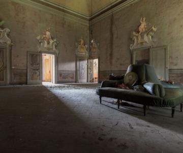 Grandoarea locurilor abandonate