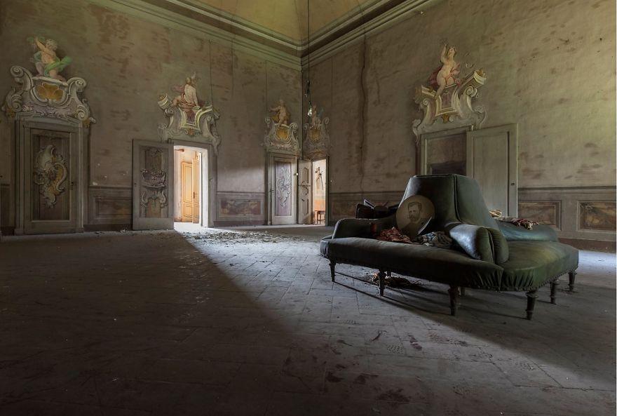 Grandoarea locurilor abandonate - Poza 1