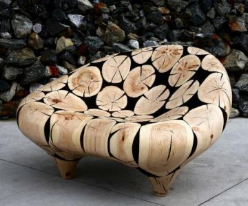 Magicianul lemnului: Transforma resturile de copaci in sculpturi sofis