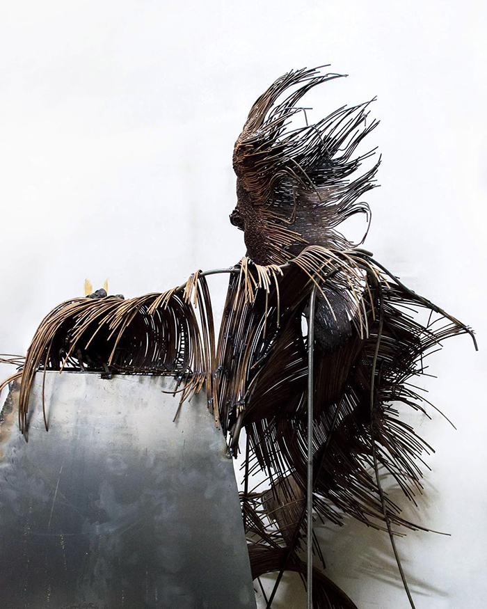 Impresionantele sculpturi din sarma ale lui Darius Hulea - Poza 8