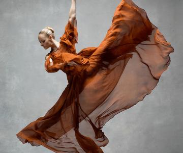 Frumusetea dansului contemporan, in poze superbe