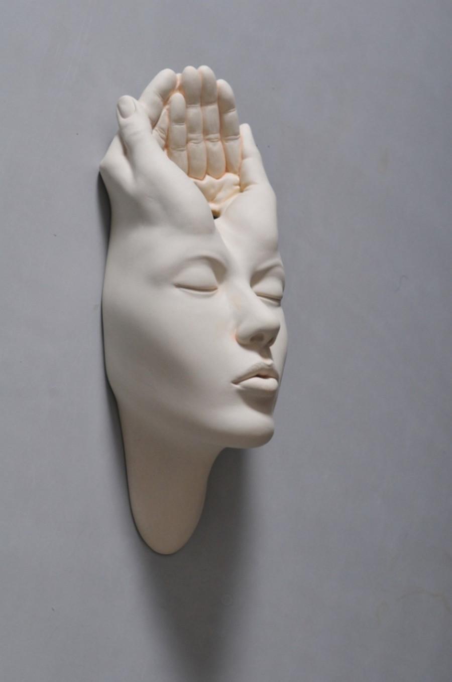 Minti deschise: Sculpturi suprarealiste din portelan - Poza 7