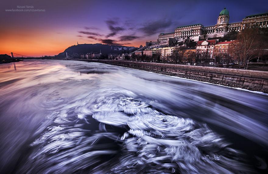 Frumusetea Dunarii inghetate, in poze superbe - Poza 1