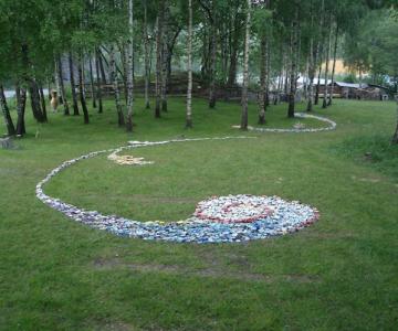 Covor de 4.000 de flori de ceramica, in Norvegia