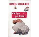 Marilyn pe divan