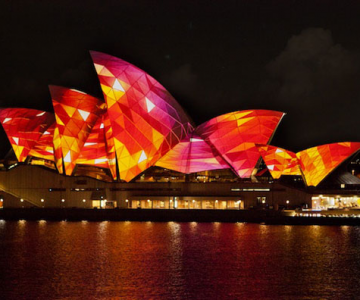 Lumina si culoare pe opera din Sydney
