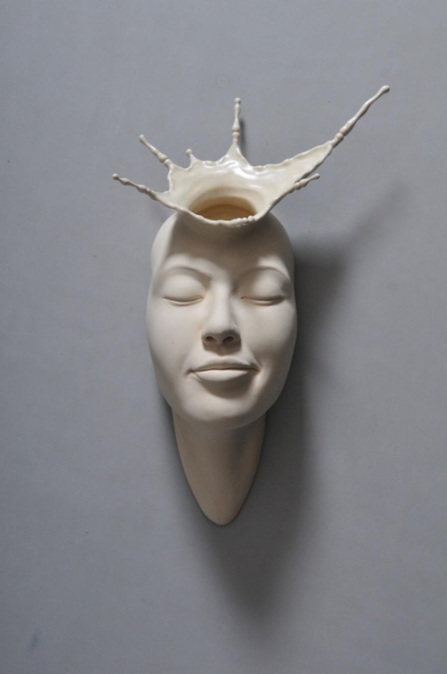 Minti deschise: Sculpturi suprarealiste din portelan - Poza 9