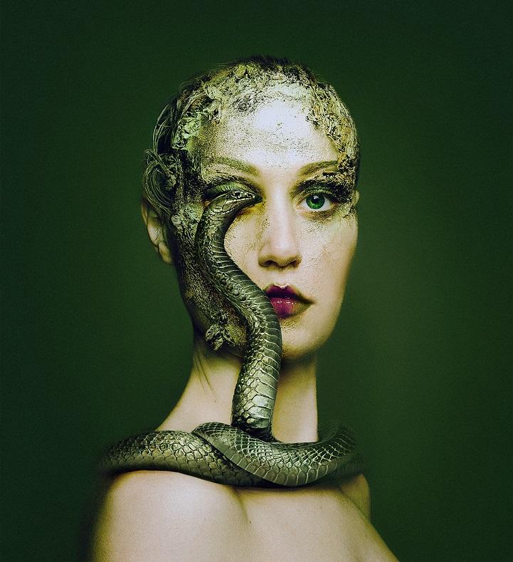 Ferocitate si gingasie: Dualitatea privirii feminine - Poza 4