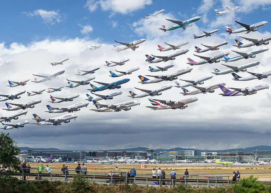 Portrete aeriene: Uimitorul zbor simultan al unor zeci de avioane - Poza 18