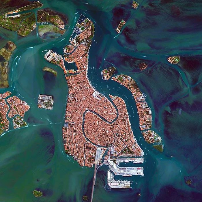 Lumea privita de sus, in imagini uluitoare - Poza 13