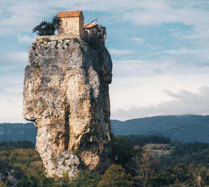 Top 20 Cele mai frumoase locuri izolate din lume - Poza 10