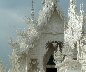 Wat Rong Khun: Templul budist, inspirat din filme SF