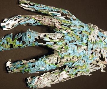 22 de sculpturi impresionante in carti