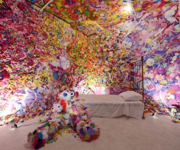 Camera multicolora, de Sebastian Masuda