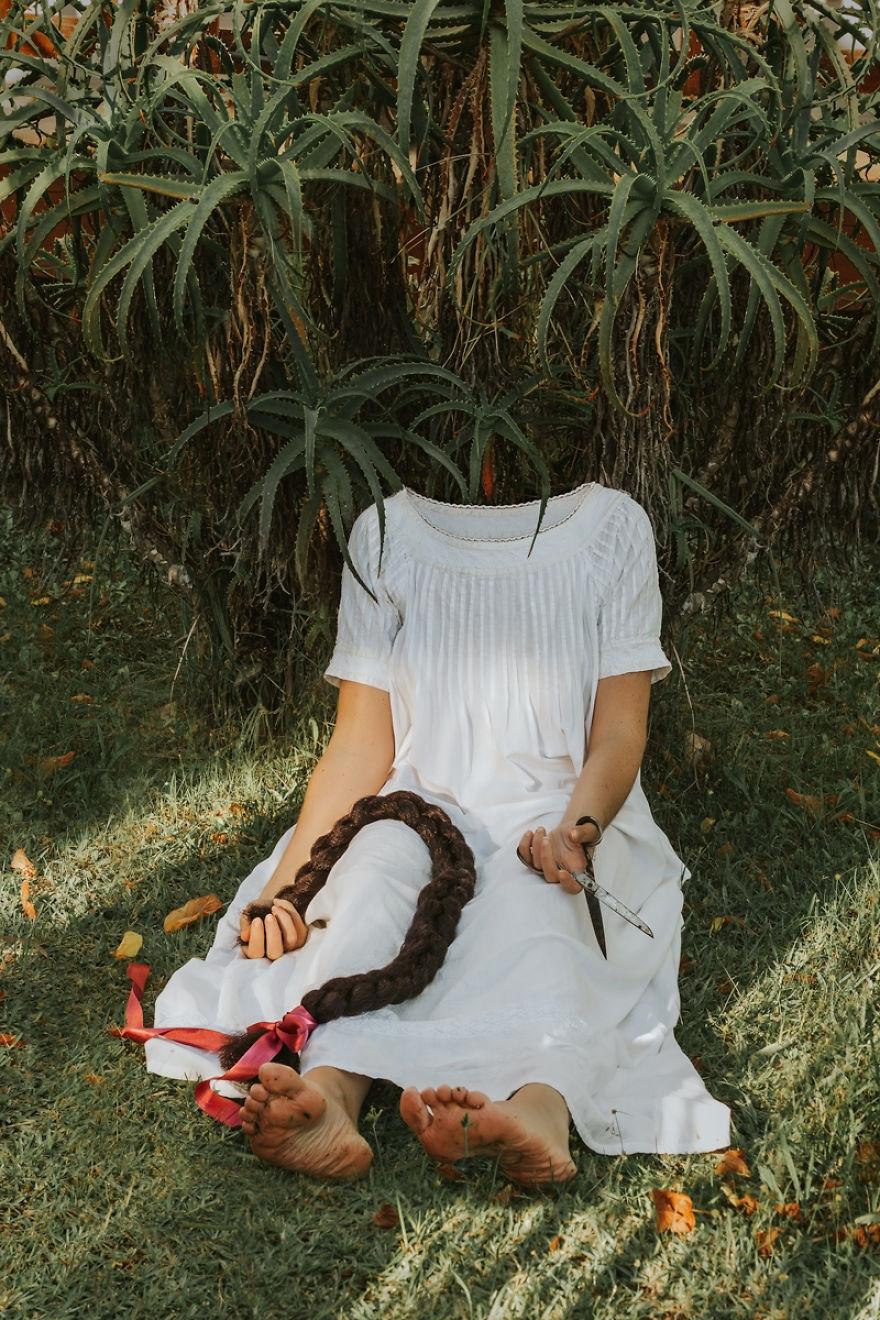 Povestea depresiei, in autoportrete conceptuale - Poza 2