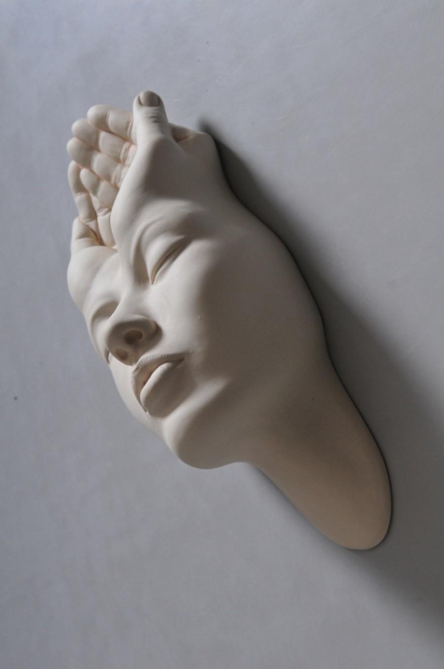 Minti deschise: Sculpturi suprarealiste din portelan - Poza 8