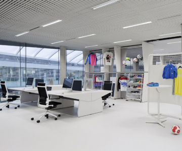 Adidas isi tine angajatii in forma la noul sediu