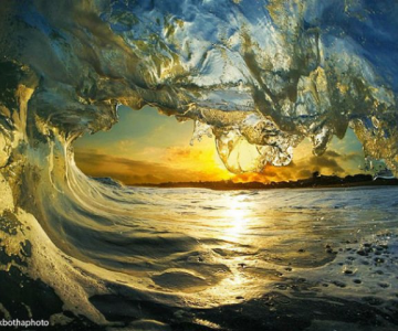 Lumea vazuta printre valuri