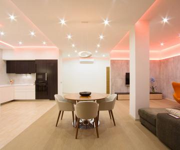 Apartament luminat elegant cu LED-uri la Sankt Petersburg