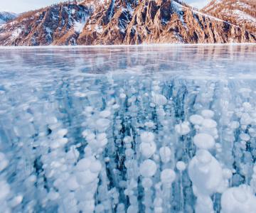 Frumusetea celui mai adanc lac din lume, iarna