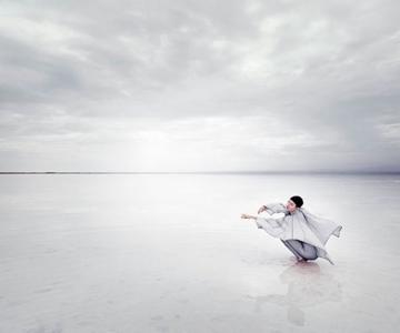 O poveste poetica despre moda, pe Lacul Chaka
