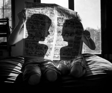 Copiii lumii, in poze alb-negru