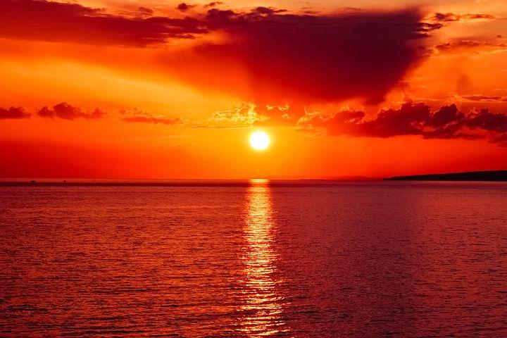 Apusuri de soare sublime in poze spectaculoase - Poza 9