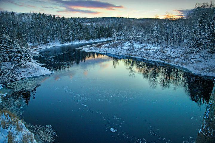 Cele mai frumoase ipostaze ale iernii, in poze sublime - Poza 6