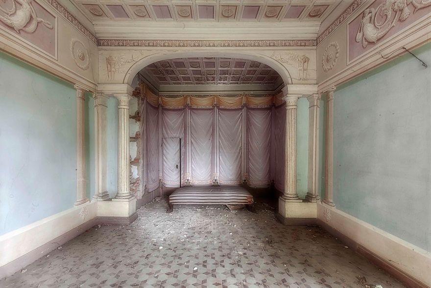 Grandoarea locurilor abandonate - Poza 3