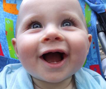 10 bebelusi adorabili in fotografii