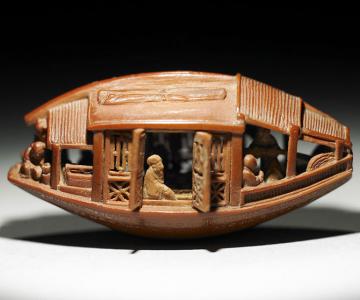 O barca sculptata intr-un sambure de maslina, din 1737