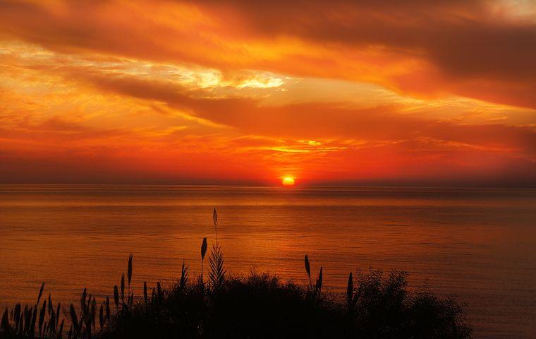 Apusuri de soare sublime in poze spectaculoase - Poza 11