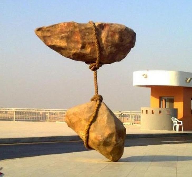 Sculpturi uimitoare care sfideaza legile fizicii - Poza 11