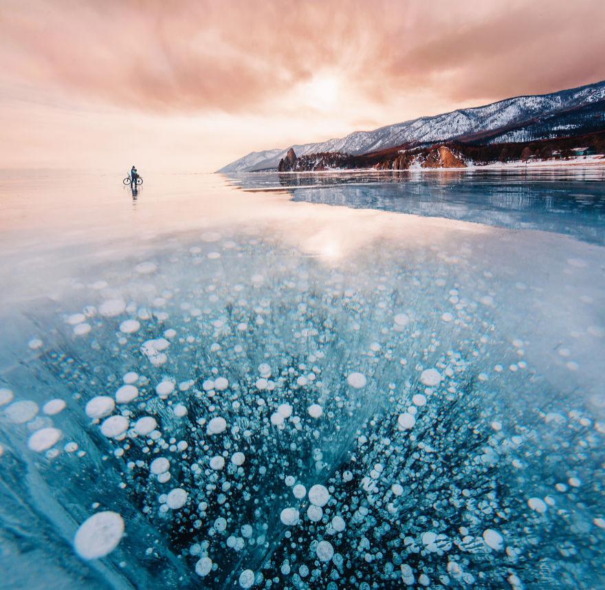 Frumusetea celui mai adanc lac din lume, iarna - Poza 3