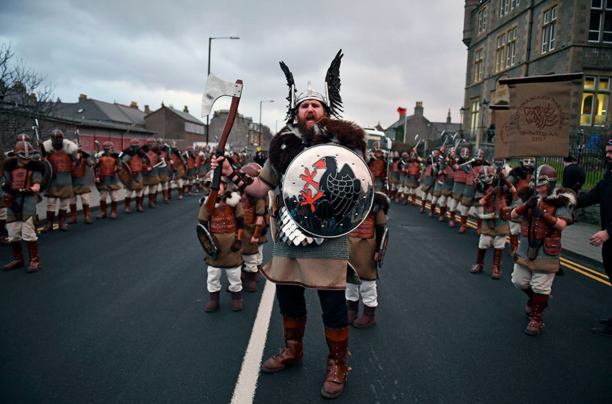 Festivalul legendar al vikingilor, in fotografii epice - Poza 2