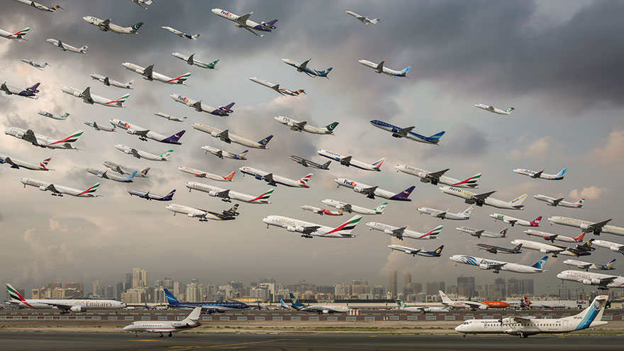 Portrete aeriene: Uimitorul zbor simultan al unor zeci de avioane - Poza 10