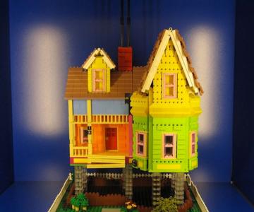Casa din filmul Up din Lego