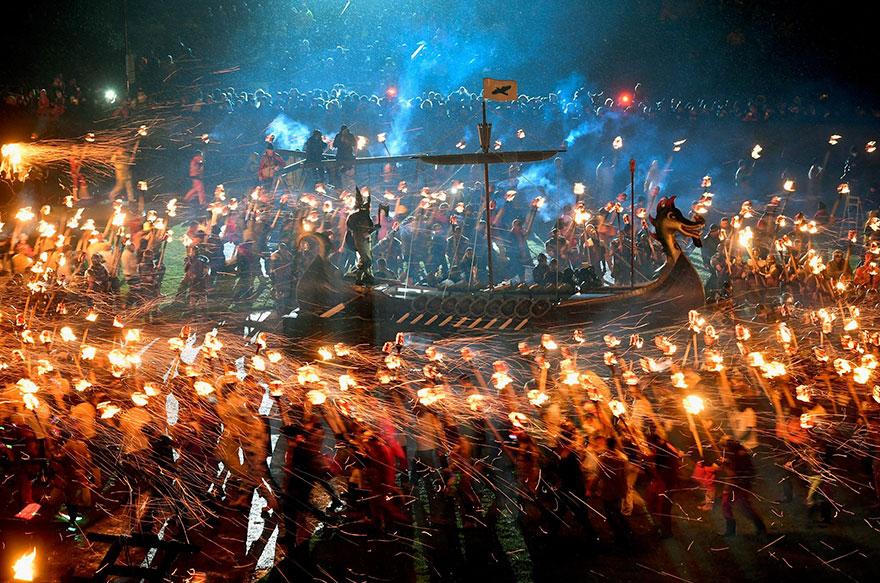 Festivalul legendar al vikingilor, in fotografii epice - Poza 11