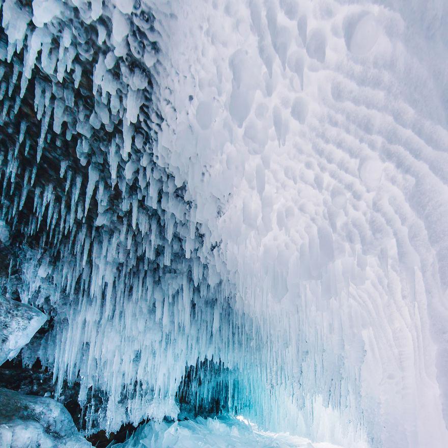 Frumusetea celui mai adanc lac din lume, iarna - Poza 8