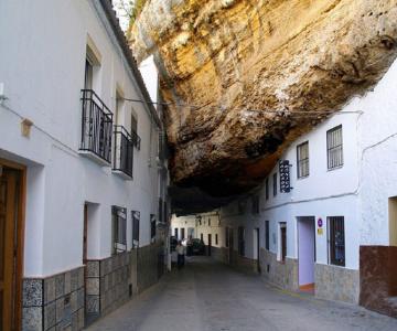 Orasul din stanca: Setenil de las Bodegas, Spania