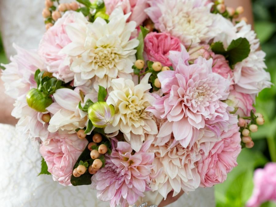 Pentru o nunta de vis: Tendintele anului 2018 in materie de flori - Poza 5