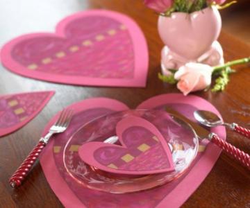 Idei de amenajare a mesei pentru cea mai romantica cina